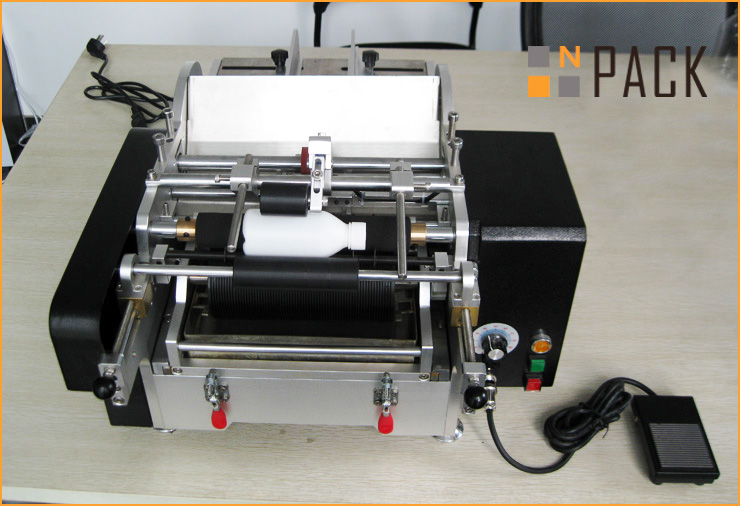 Semi-Automatic Glue Labeling Machine